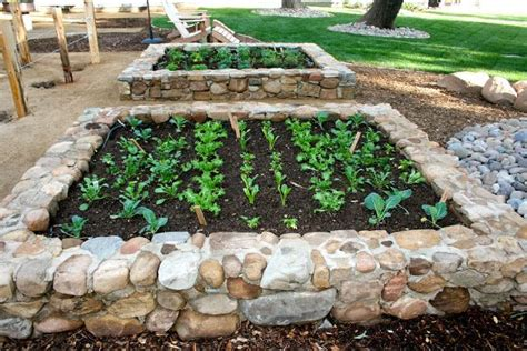 Savvy Housekeeping 187 All About Raised Beds Raised Rock Garden