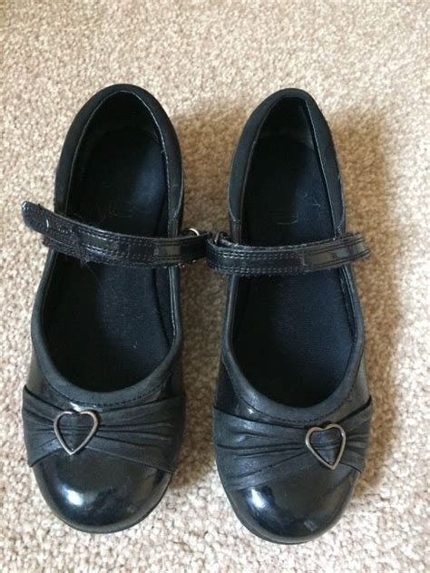 school shoes size 2 black clarks school shoes size 13 1 2 baby