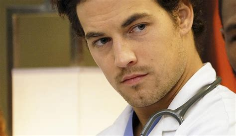 new actor grey s anatomy grey s anatomy actor says he won t replace mcdreamy