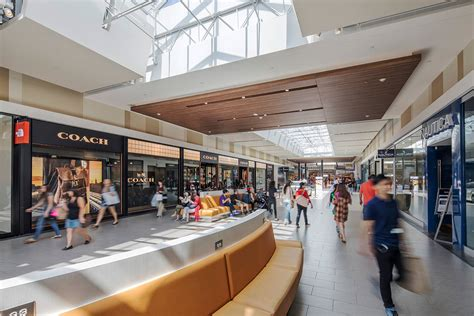 ontario mills outlet mall  california location hours