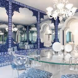 Small Livingroom id 233 es d 233 co pour votre salon marocain le bleu 224 l honneur