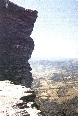 cornisa rocosa sierra de guivijo y parque de valderejo 1