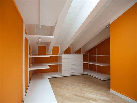 armadio in mansarda armadio su misura soluzione personalizzata armadi su misura