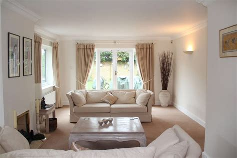 paint ideas living room dulux dulux almond white living room living