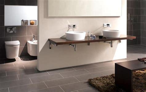 badezimmer mülleimer badezimmer badezimmer fliesen grau braun badezimmer