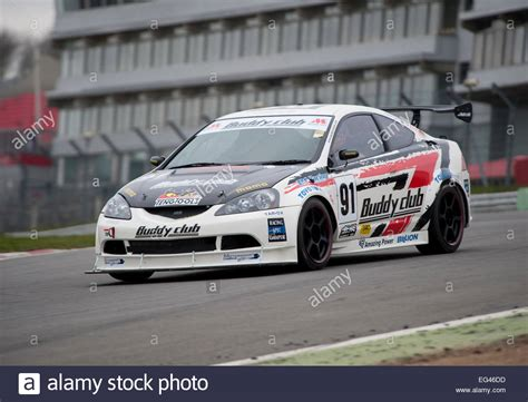 Schaltung Auto by Honda Integra Dc5 Racing Car On Track At Brands Hatch