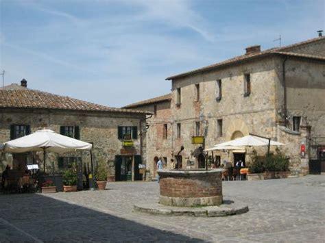 di monteriggioni 301 moved permanently