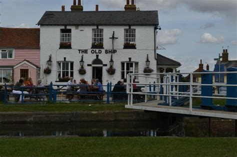 old boat house pub the old ship public house maldon restaurant reviews
