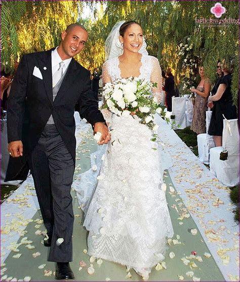 wedding attire costs the most expensive wedding dress in the world of model