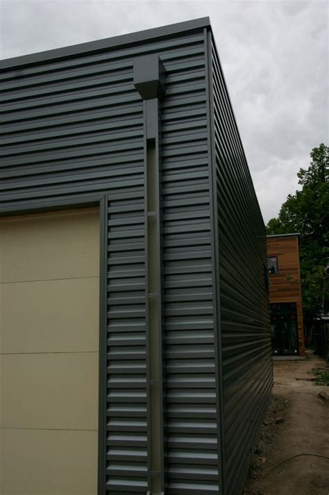 how to paint steel siding on a house 25 best ideas about metal siding on pinterest backyard studio granny flat and