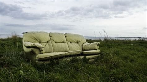 where can i dump my old couch bring back highbury