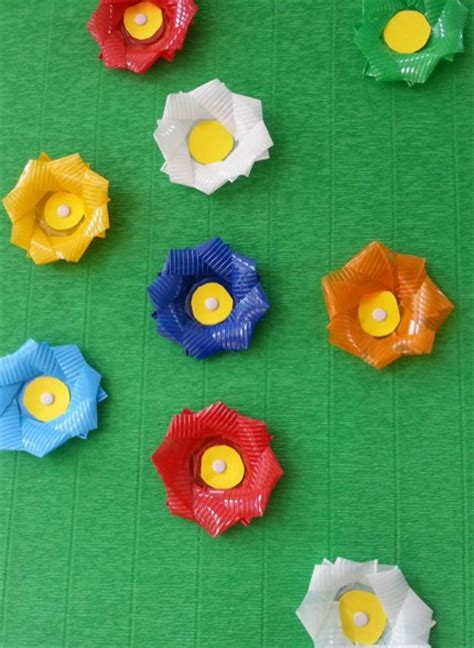 fiori con i bicchieri di plastica differenziare per ricreare screen 4 on flowvella