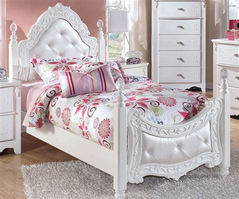 twin girls bed exquisite twin size poster bed by ashley furniture white