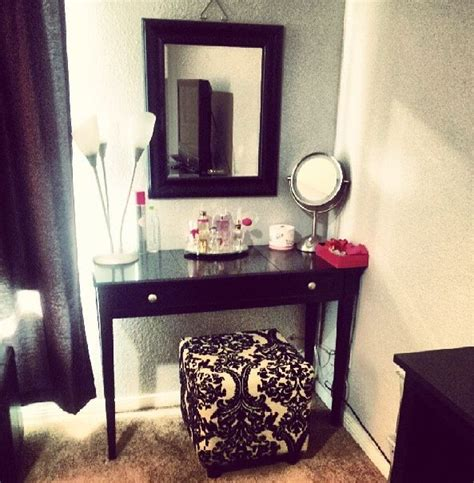 Vanity Mirror Diy by Diy Vanity Need A Fancier Mirror Home