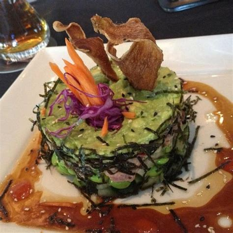 yard house spicy tuna roll spicy tuna roll yard house view online menu and dish photos at zmenu
