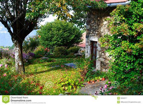 Schöner Garten Fotos 3753 by Sch 246 Ner Alter Garten Lizenzfreie Stockfotografie Bild