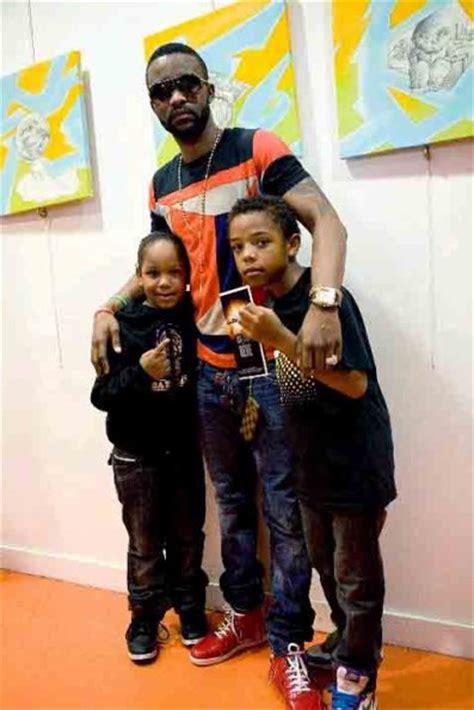 leeroy et kyle des young boyzz avec leur ami fally ipupa