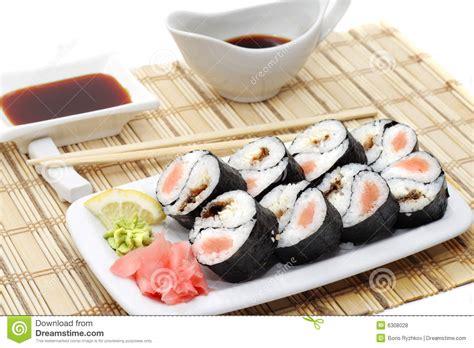 cuisine japonaise sant cuisine japonaise yin yang rolls photos libres de droits