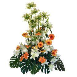 Aprilia Fiori composizione alta vannoli floral design fiori a aprilia fiori a fiori a