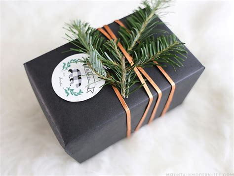 creative ways to wrap christmas gifts rustic gift wrapping ideas mountain modern