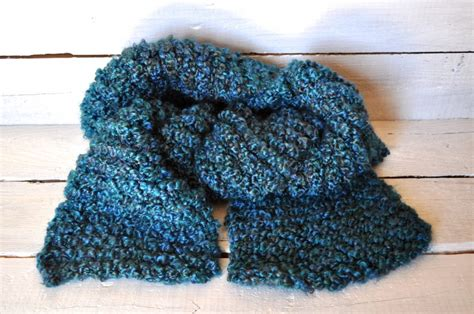 homespun yarn scarf pattern knit chunky knit scarf and tips for working with homespun yarn