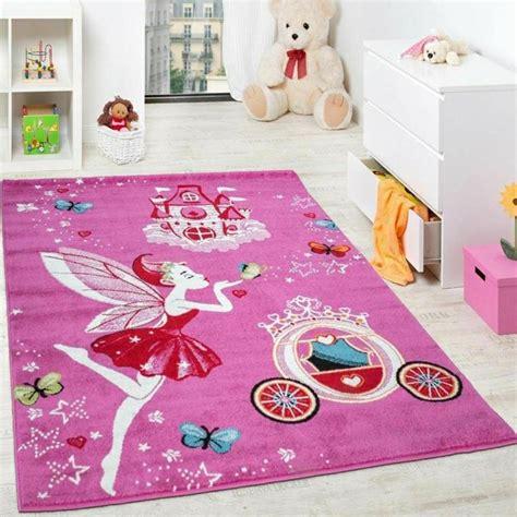 tapis pour chambre enfant tapis pour enfant un aire de jeux et de repos dans sa