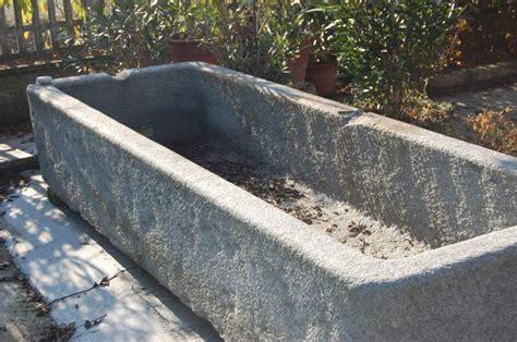 vasche in pietra da giardino condannato antiquario acquist 242 una vasca in pietra di