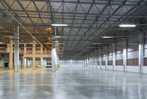 what to know about warehouse services