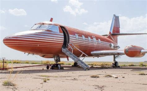 elvis private jet elvis presley s private jet will be up for auction this