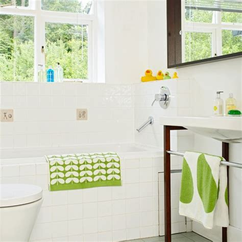 Green And White Bathroom Ideas by White Bathroom With Green Accents Bathroom Decorating