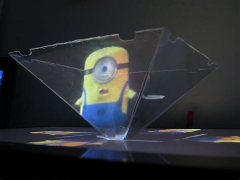 smartphone 3d hologram projector minions how to make how to use your smartphone or tablet to make a 3d hologram
