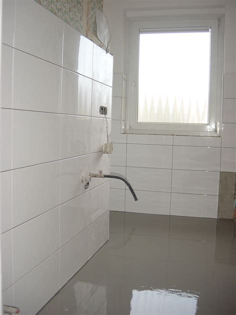 Large White Wall Tiles Bathroom by Big White Tiles Bathroom Beautiful Black Big White Tiles