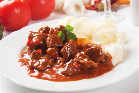 best paprika hungarian beef goulash with paprika recipe dishmaps