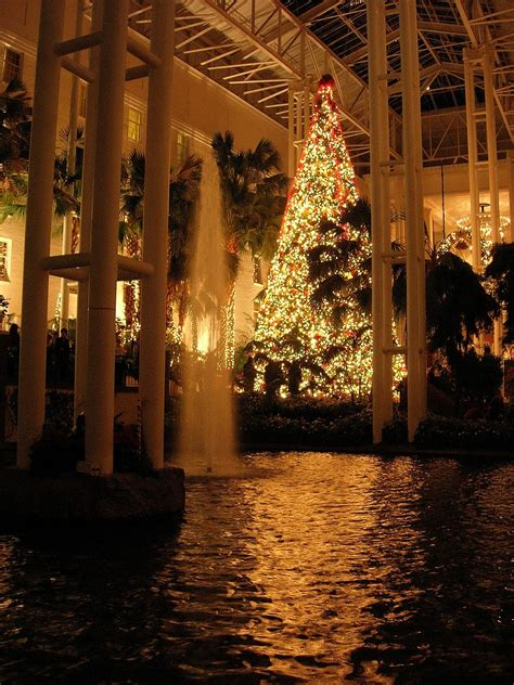 christmas lights in nashville tn the rustic victorian christmas at the opryland hotel in