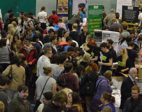 domino pizza wrexham hundreds attend glyndŵr freshers fair wrexham com