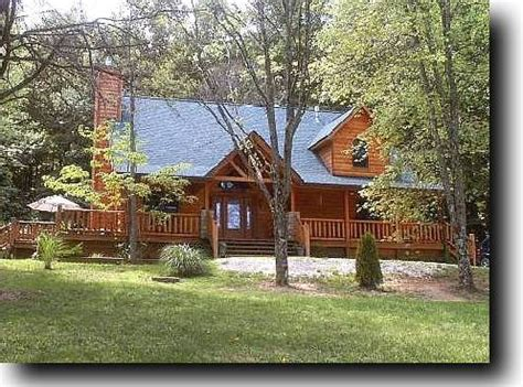 Cabins Nashville Tn by Brown County Log Cabin Rental Nashville In Hottub Fireplace