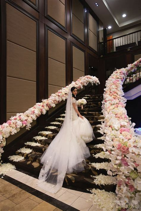 how to decorate banister simply and elegantly for christmas best 20 wedding staircase decoration ideas on candlelight wedding garland of