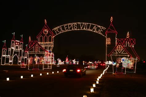 largest christmas lights displays photos 5 gorgeous drive through light displays in illinois