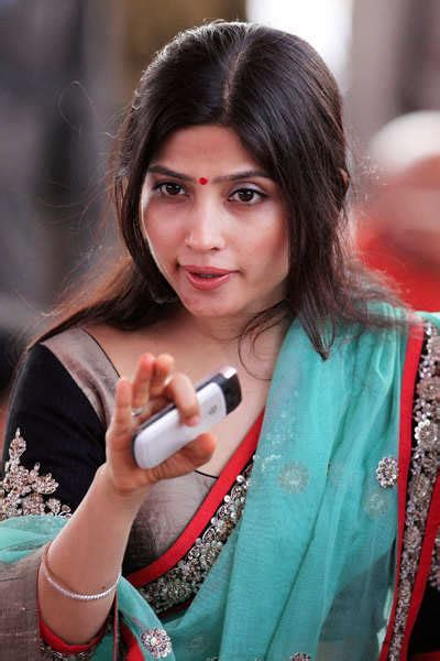 Dimple Yadav Photos, Latest Dimple Yadav Pics and Picture