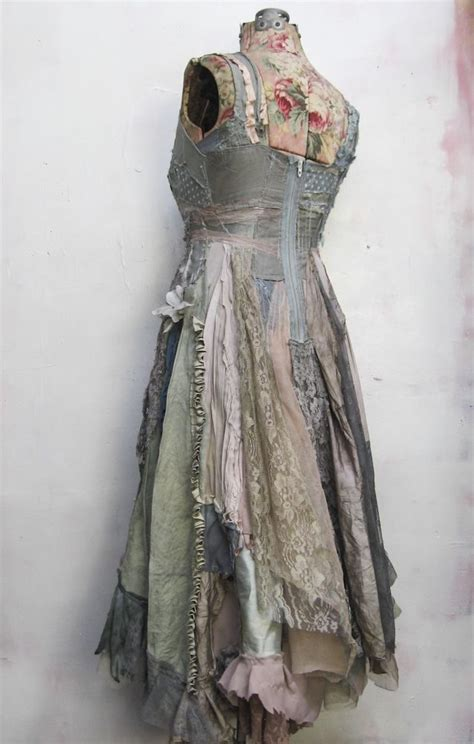 Gibbous Fashions by 25 Best Ideas About Costume Dress On Ballroom
