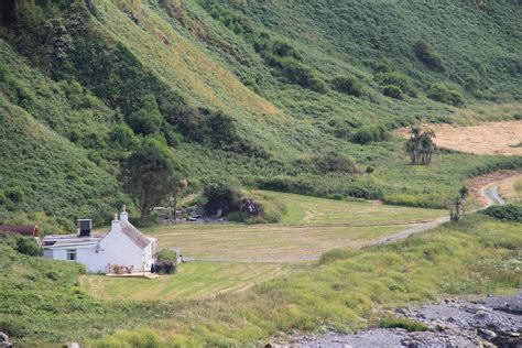 Bay Cottage by Morroch Bay Cottages