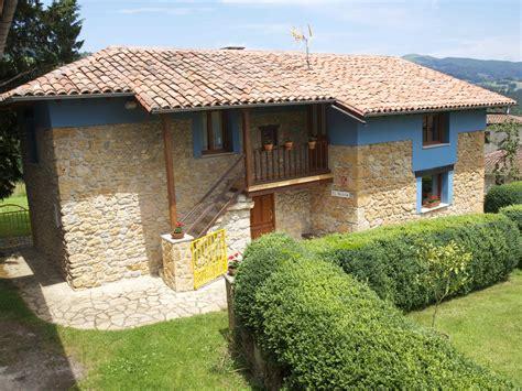 Spanish Revival Homes by Casa Rural El Mansoel Manso Casa De Aldea En Asturias