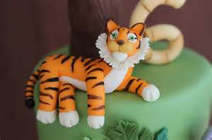 sculpting jungle animals out of modeling chocolate sweet dreams cake app iphone ipad ipod