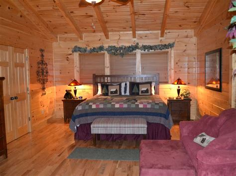 3 bedroom 2 bathroom cabin near pigeon forge pet friendly