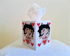 Betty boop tissue box cover in plas tic canvas