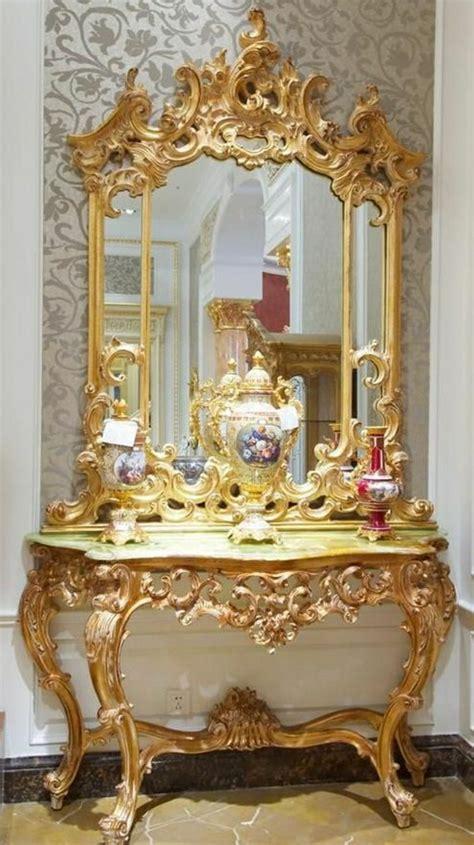 Möbel Gold