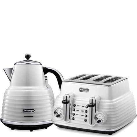 de longhi scultura 4 slice toaster and kettle bundle