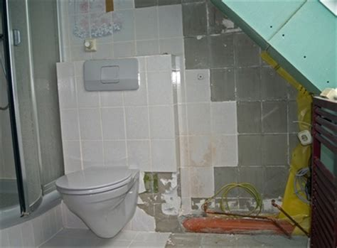 wasserschaden an der decke wer zahlt wasserschaden in der mietwohnung wer zahlt im schadensfall
