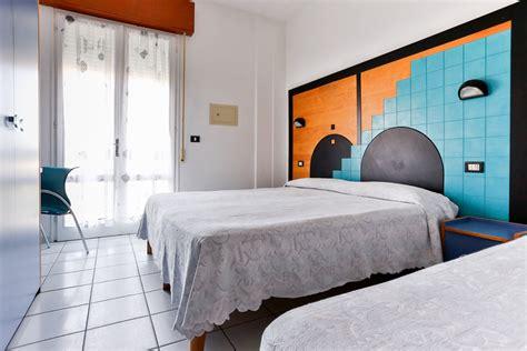 hotel camere climatizzate vista mare cesenatico