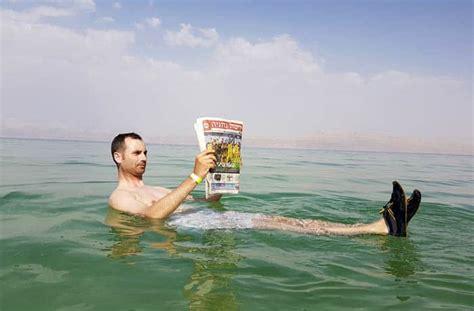 imagenes impresionantes del mar muerto ein gedi el oasis para flotar en el mar muerto en israel